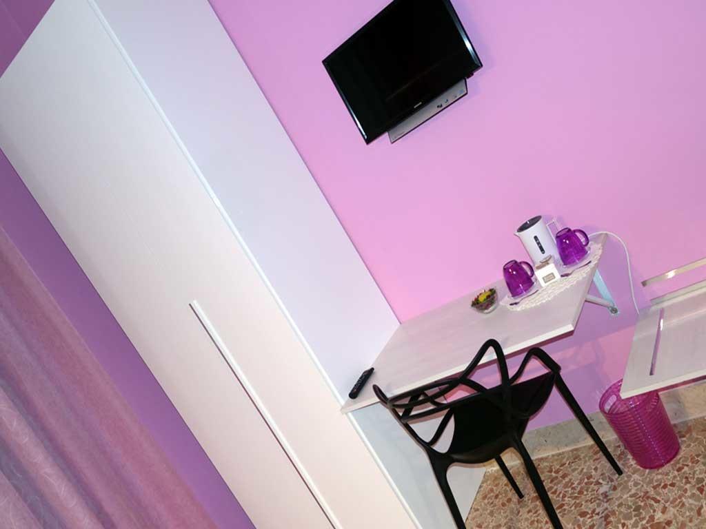 ColorsBB Palermo Bed & Breackfast Stanza Viola